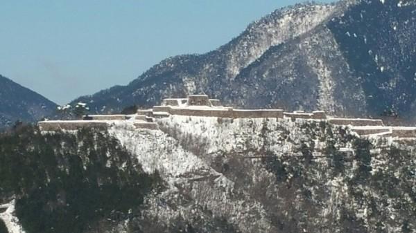 雪景色の竹田城跡